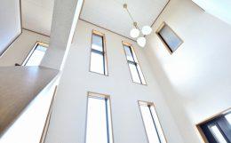 壁と天井の取合い納まり